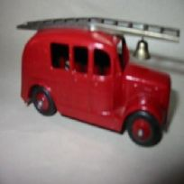 Dinky Toys Streamlined Fire Engine